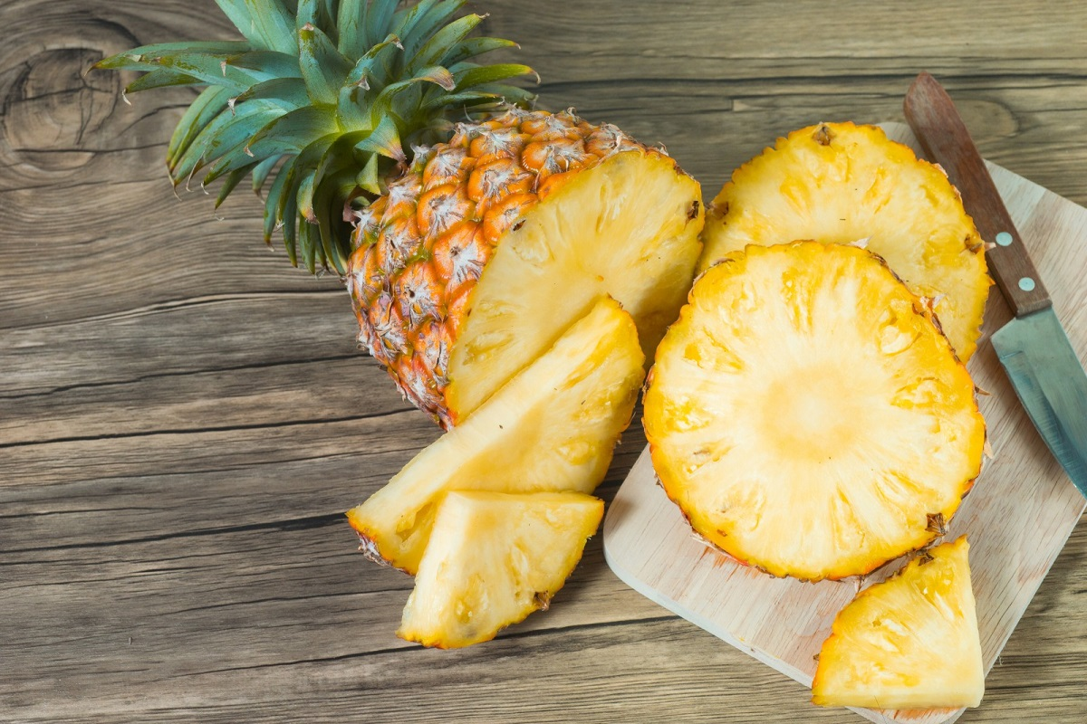 10 Reasons to Eat Pineapple Every Day