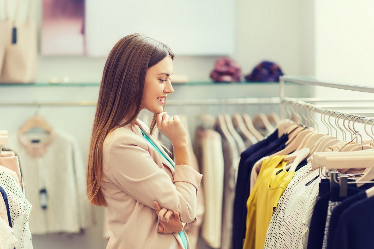 7 Ways to Dress Modestly and Attract Attention