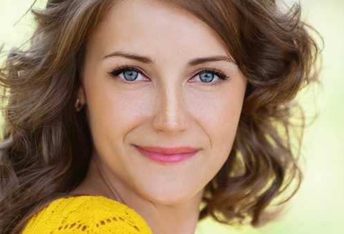 10 Best Ways to Get Rid of Freckles