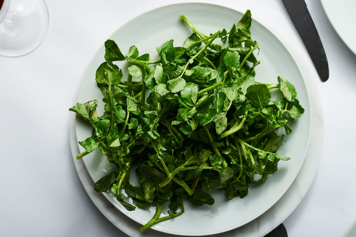 Why Smokers Should Eat Watercress Every Day