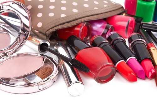 Best Ways to Make Your Makeup Bag Eco-Friendly