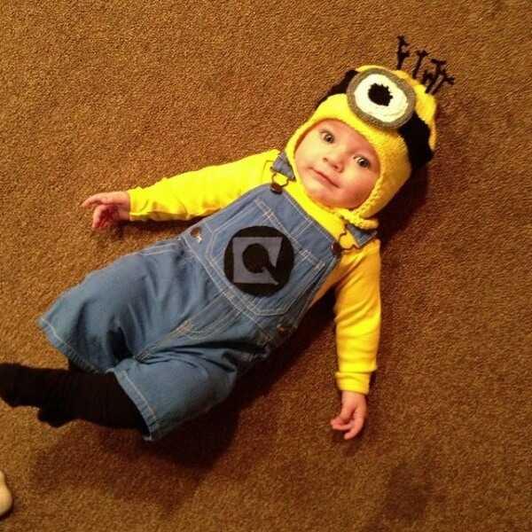 Minion Halloween Costume  sc 1 st  Lifestyle & 4. Minions - 10 Family-Friendly Halloween Costume Ideas