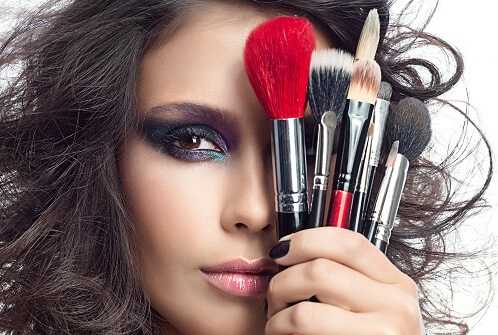 Smart Ways to Care for Your Makeup-Brushes