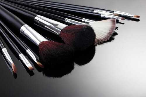 Ways to Care for Your Makeup Brushes