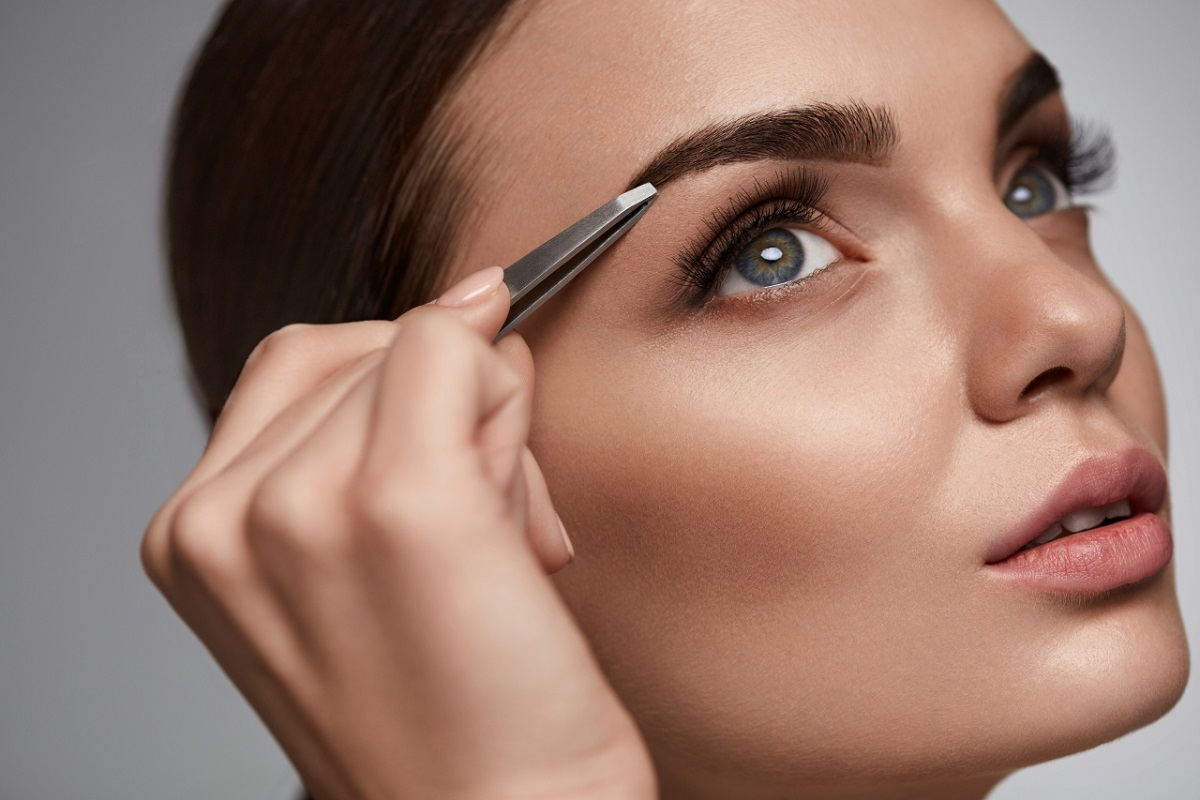 10 Must-Know Tips for Grooming Your Eyebrows