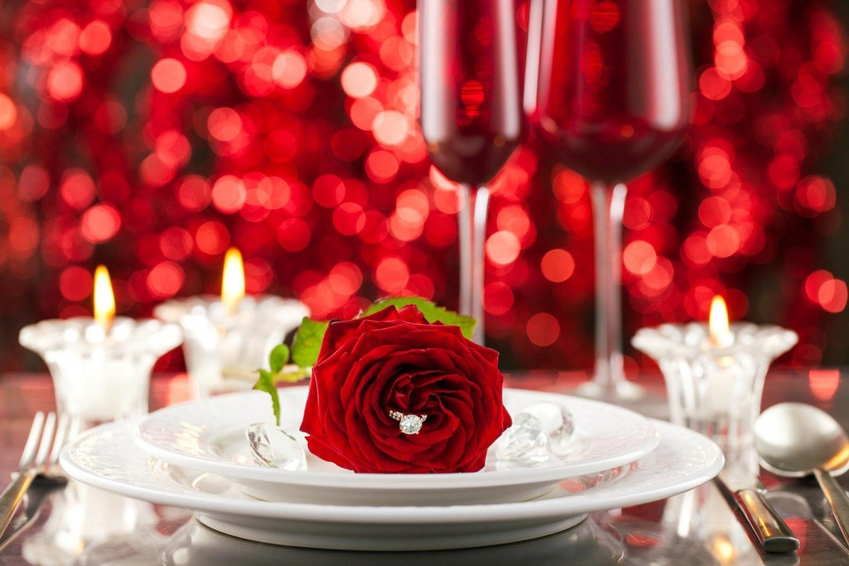 8 Fantastic Valentine's Day Engagement Party Ideas