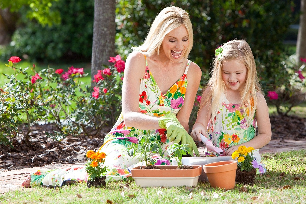 6 Awesome Reasons Why You Should Take Up Gardening