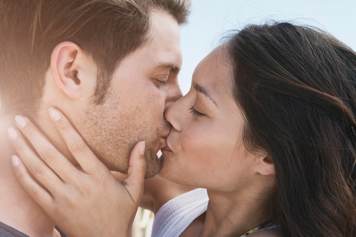 9 Awe-Inspiring Facts about Kissing