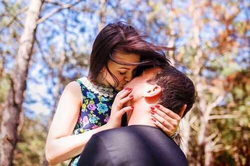 Awe-Inspiring Facts about Kissing