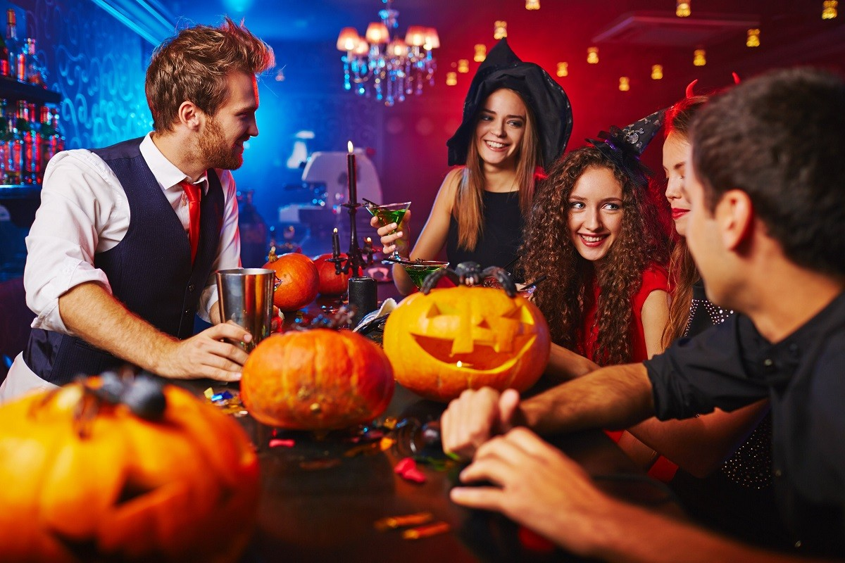 10 Honestly Creepy Halloween Party Themes