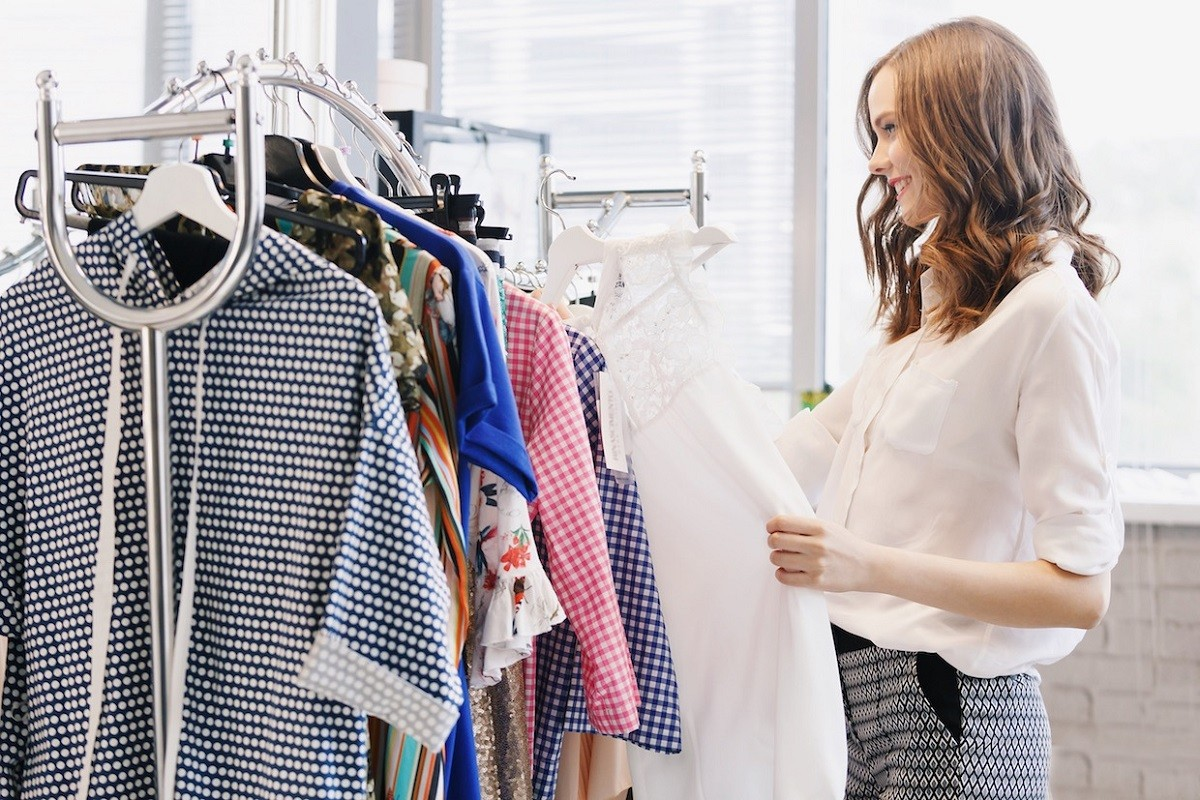 7 Crucial Tips for Becoming a Successful Fashion Stylist