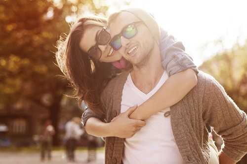 Strange Yet Adorable Things Happy Couples Secretly Do Together