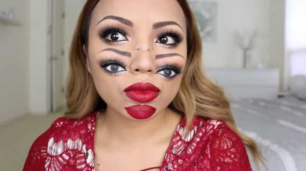 Watch This Beauty Vlogger Flawlessly Apply Double Vision Makeup