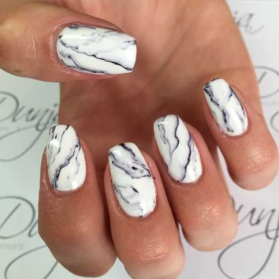 Marvelous Marbling nails