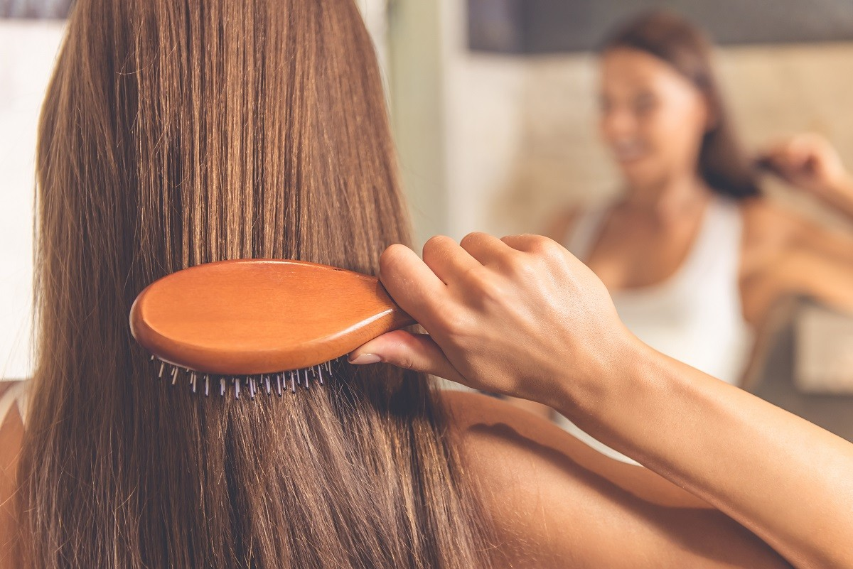 7 Best Home Remedies for Oily Hair