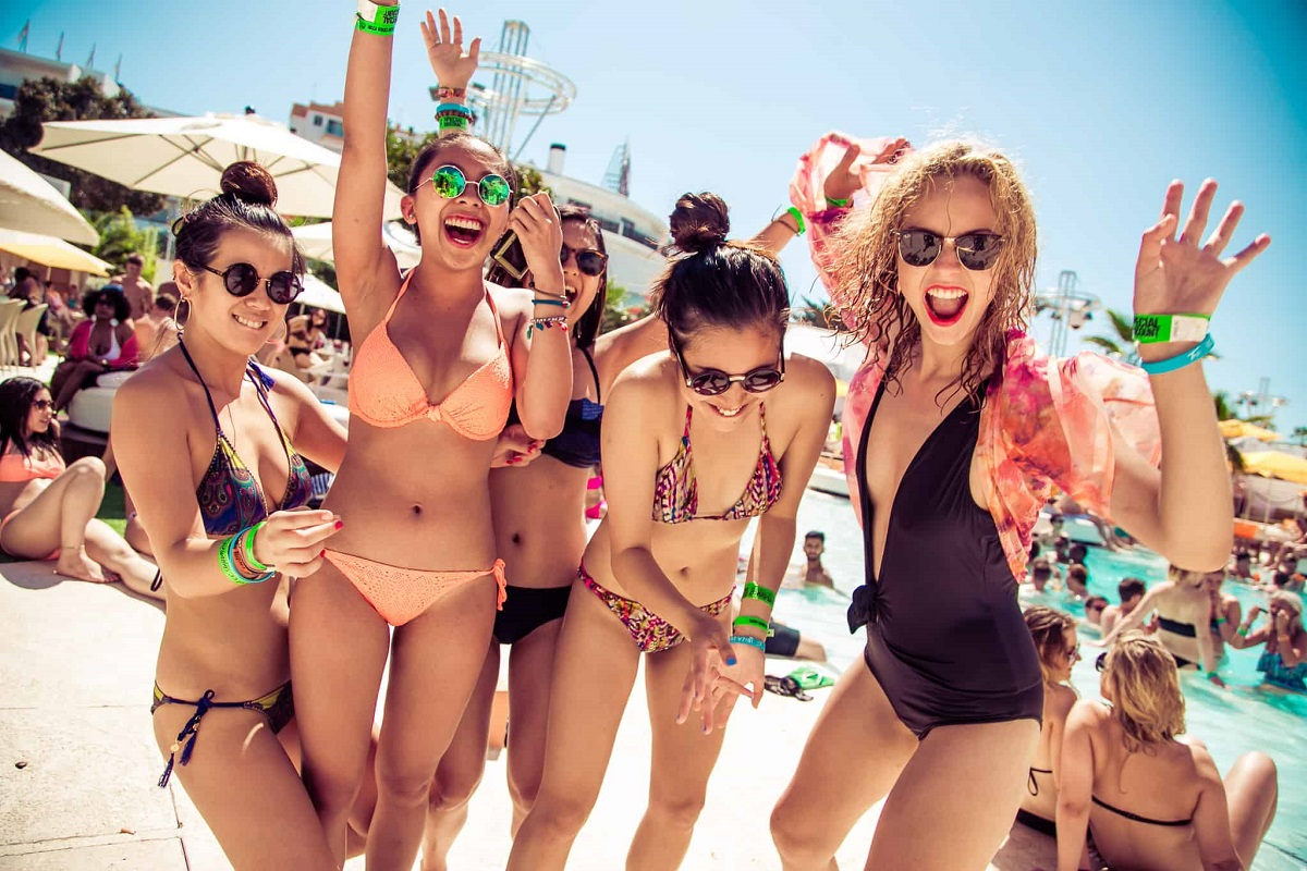7 Tips for Feeling More Confident In Your Bikini