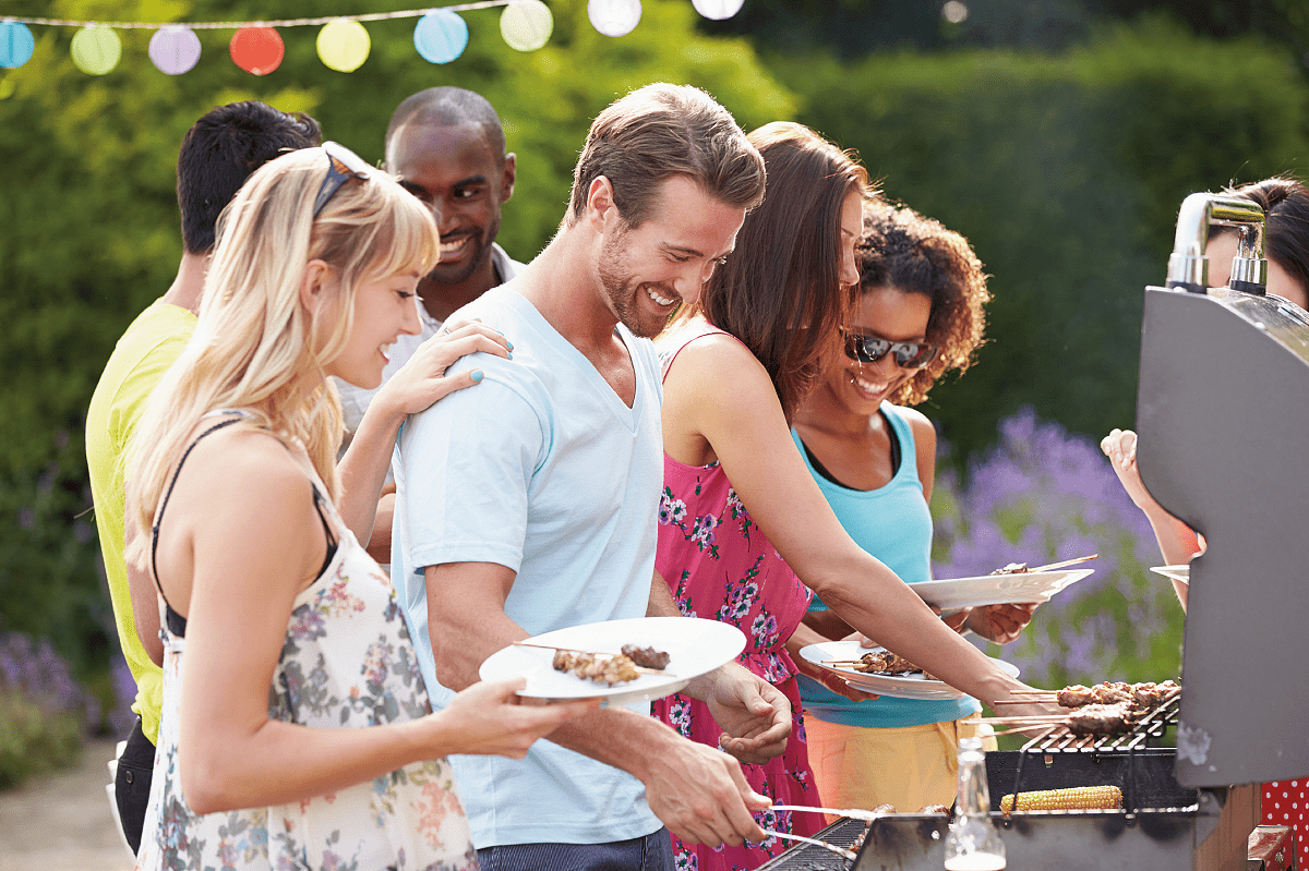 10 Low-Cost Ideas for a Summer BBQ