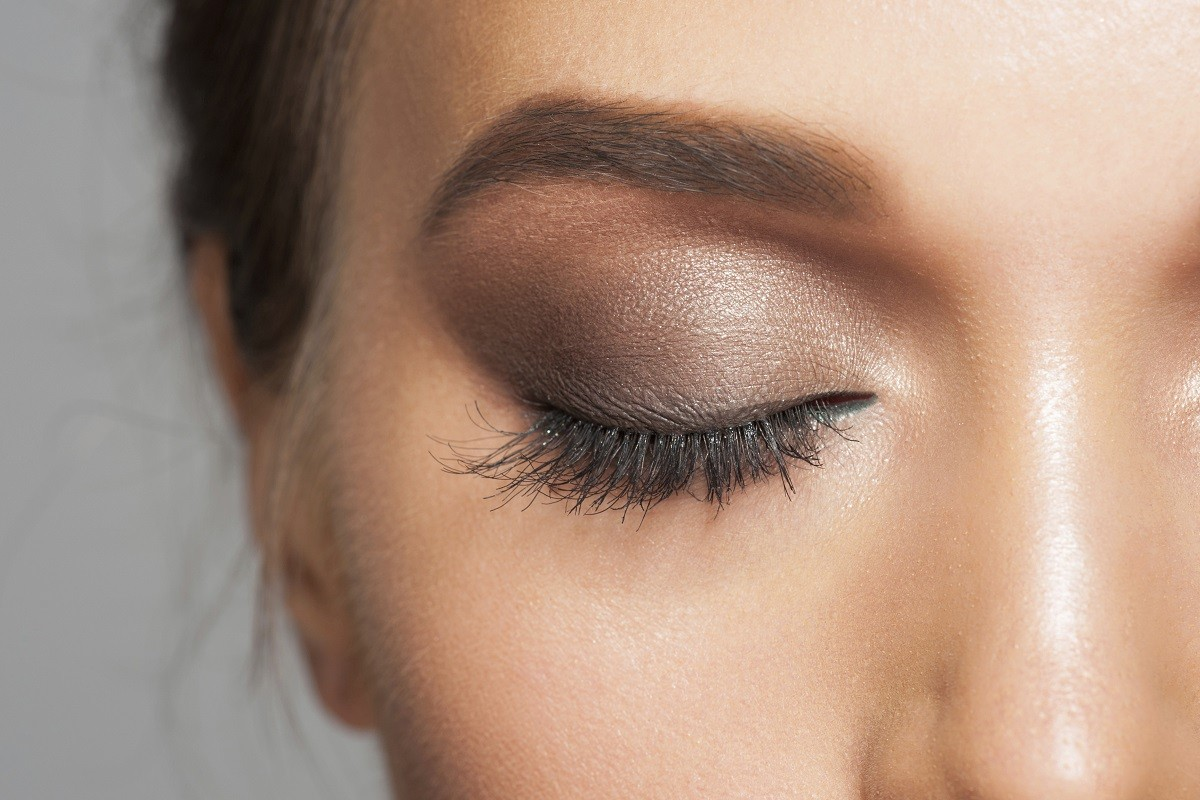 10 Tips for Choosing the Right Eye Shadow