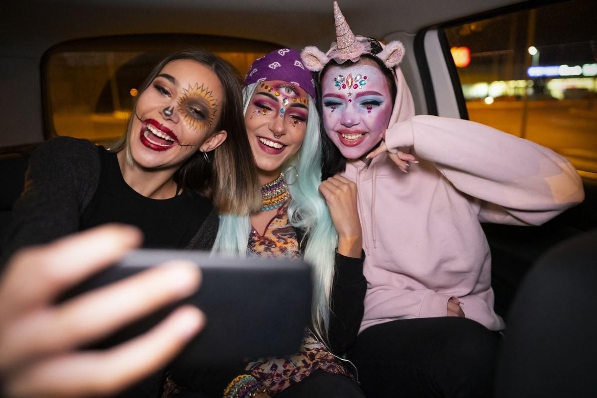 10 Astonishing Halloween Makeup Ideas