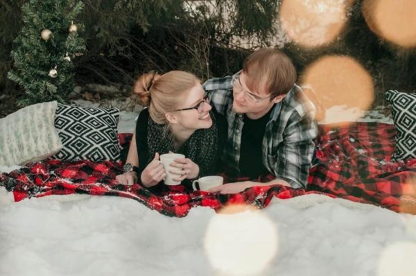 Christmas Date Ideas Have a snow picnic