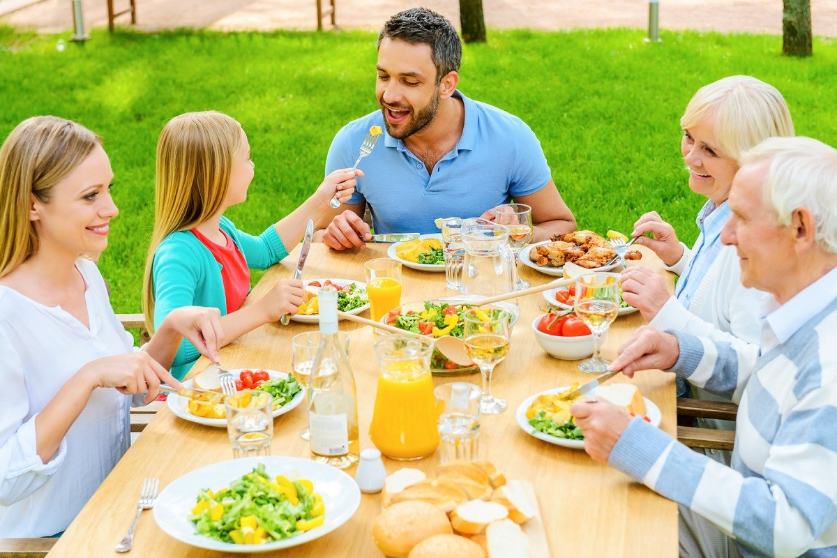 10 Summer Family Dinner Ideas