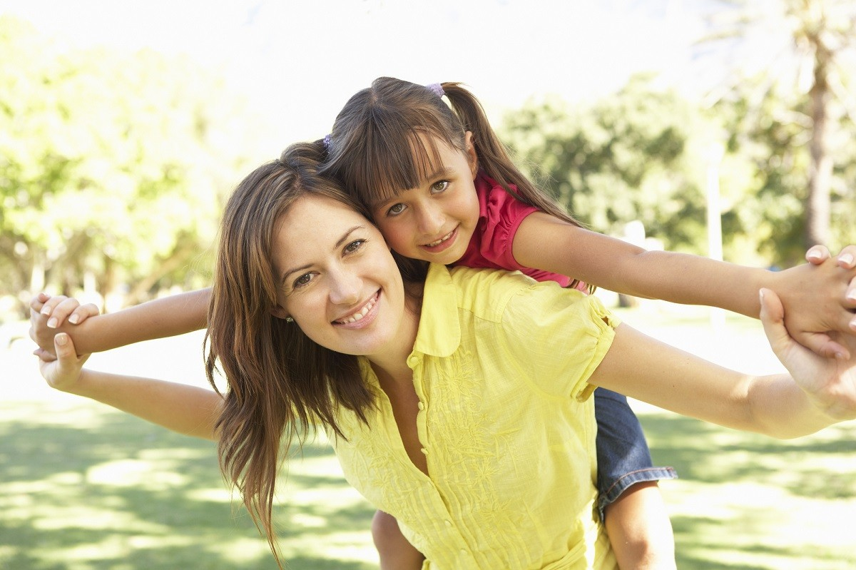 7 Powerful Ways to Raise a Confident Daughter