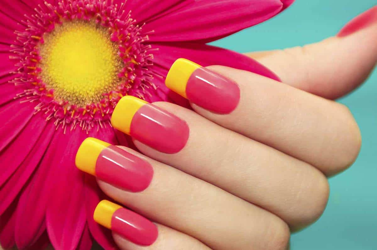 Two-tone manicure