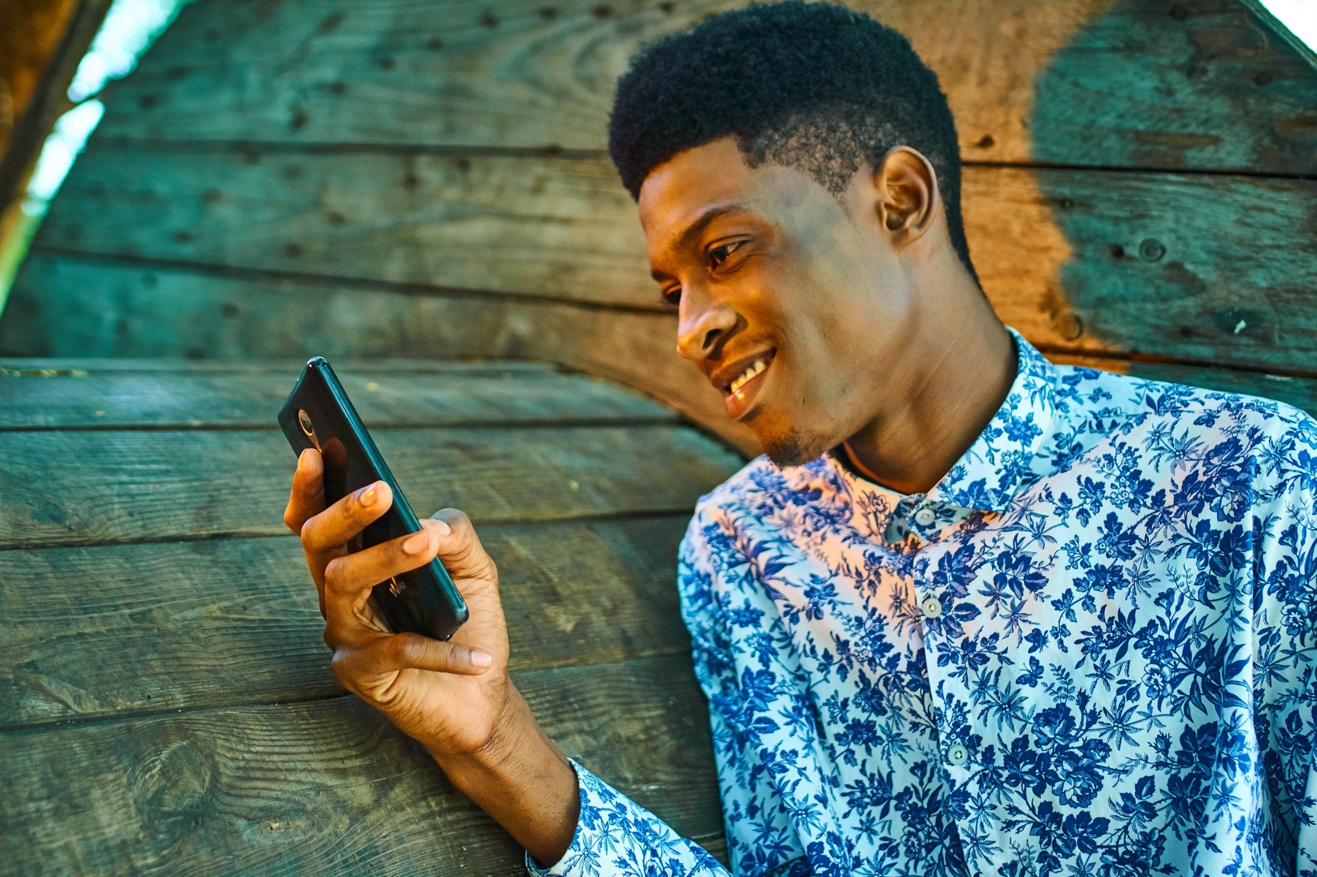 5 Reasons Many Guys Hate Texting